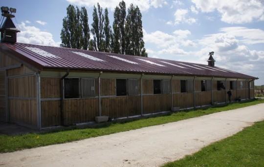 Barn 18 boxes Ecurie de propriétaires